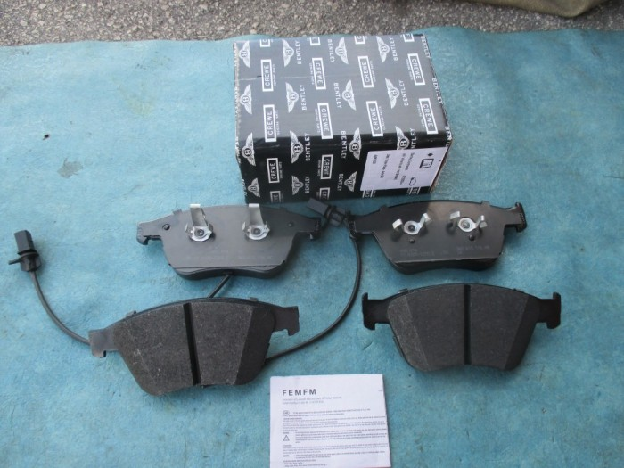 Bentley Continental GT GTC Flying Spur front Brakes brake pads #3828