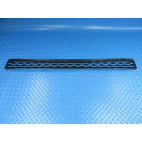 Maserati Ghibli front bumper center grille #9105